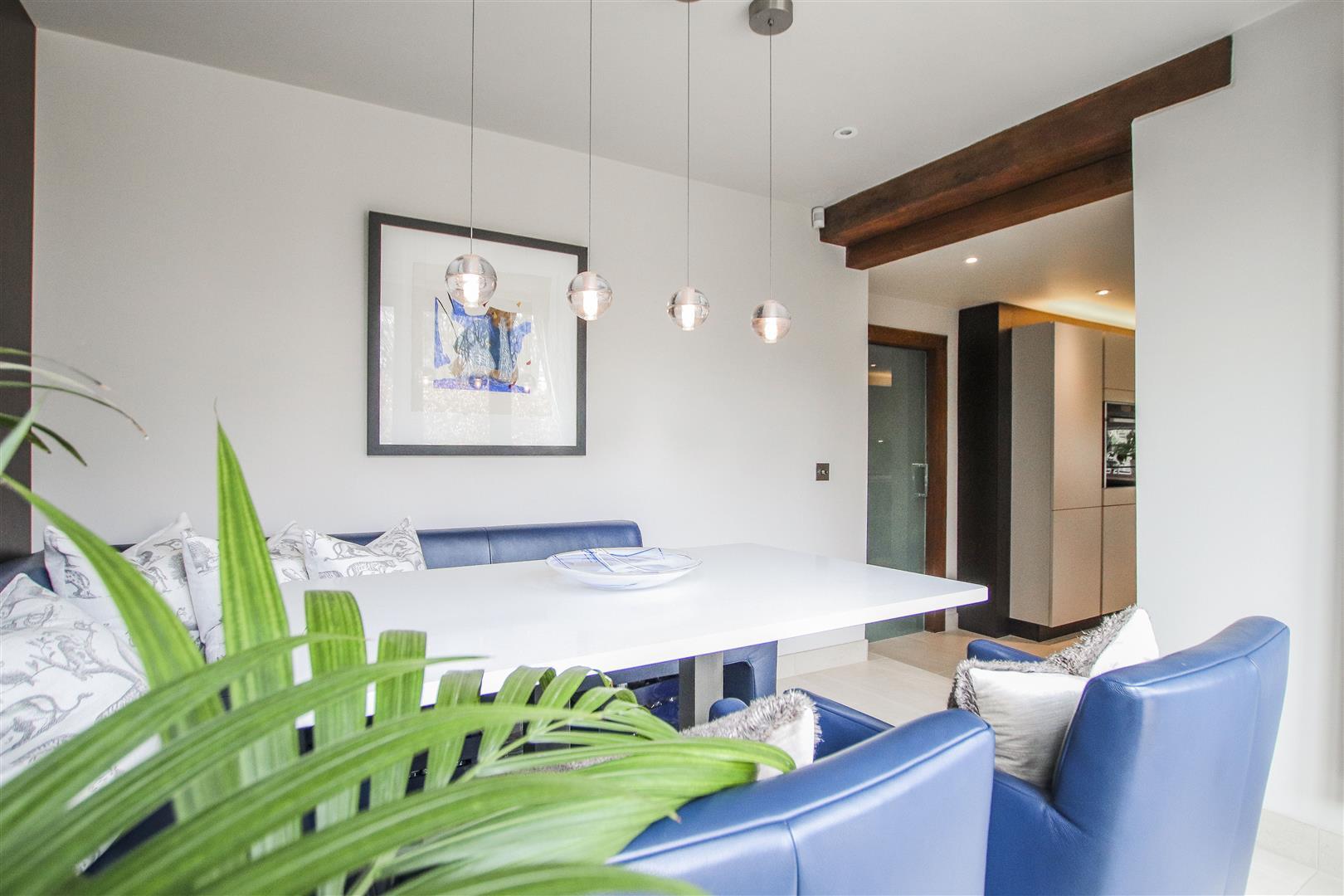 5 Bedroom Semi-detached House For Sale - 12.JPG